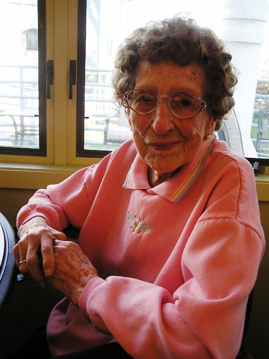 Copy of Aunt Elsie. 2009 at age 101. Burfeinds%2C%20Dad%20%26%20Elsie%2009%20002[1]