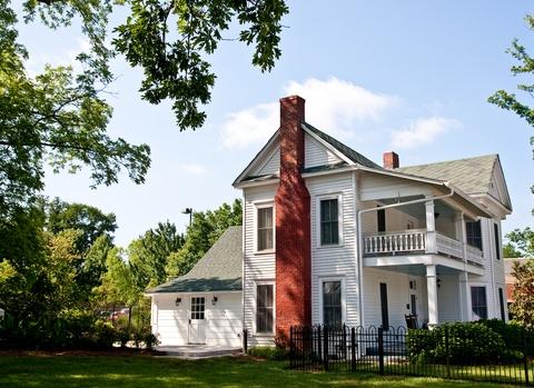 Blog. Old farmhouse. 3.15