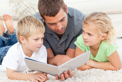 Blog. Father reading to kids. 616