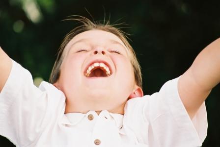 Blog. Young girl praising God. 12.14