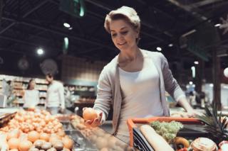 Blog. Woman. shopping cart. 2.20